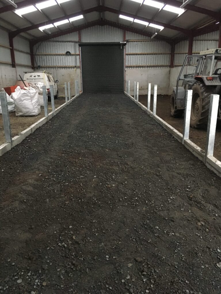Backfilling the feed passage to the required height
